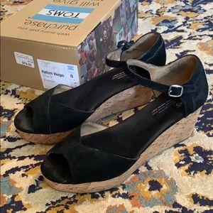 Toms Shoes - Toms black platform wedges